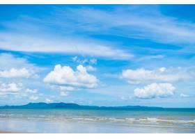 蓝天上有海有海的美丽海滩_4011095