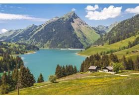 瑞士龙林湖和水坝被群山环绕的湖的美丽景色_13291169