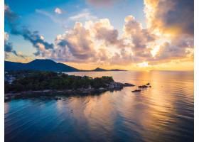 海滩大海或海洋的美丽鸟瞰_4123428