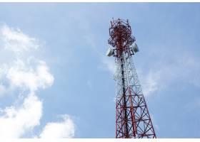 广播电视电话用带云蓝天的通信天线_1189812