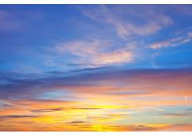日出时的天空背景_1329046