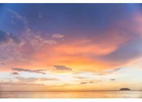 带着云彩的日落_921376