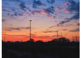 夕阳天空的美丽风景城市风光上有五颜六色_12859352