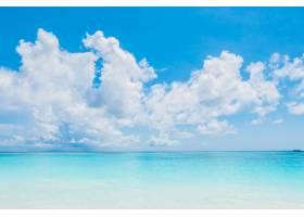 宁静的大海蔚蓝的天空_975101