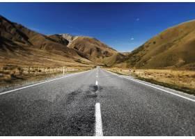 山峦远方的景区道路连续不断的概念_3533305