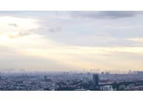 伊斯坦布尔在多云天气下的景色多座低矮的_11706221