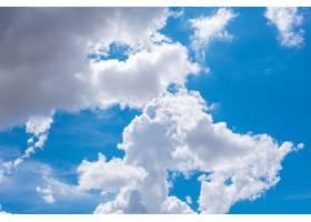 令人惊叹的美丽的云彩天空_10995842