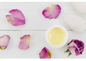 鲜花和美容霜瓶_4514574