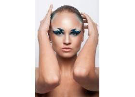 化着美妆的美丽的高加索女子_6087721