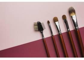 上方带有化妆画笔和复制空间的视图框架_5590472