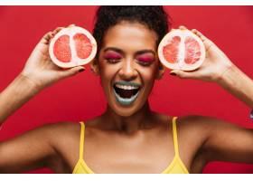 美食时尚取悦非洲裔美国妇女手持两半新鲜_6729999