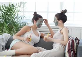 面膜美容护肤理念的女性_7758818