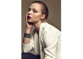 晚妆红唇白夹克漂亮时尚黑发女模肖像_7121708
