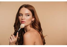 性感的姜色女人的美容肖像留着长发侧身_6514872