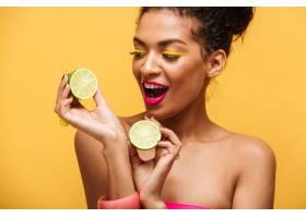 华丽的非洲裔美国妇女化妆时髦双手隔绝_6729963