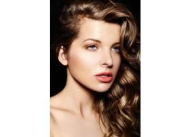 高级时尚造型美丽性感时髦黑发美女的魅力_6529069