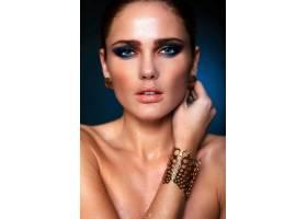 高级时尚造型美丽性感的高加索年轻女模的_6530261