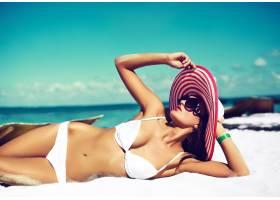 高级时尚造型迷人性感的日光浴模特穿着_7250497