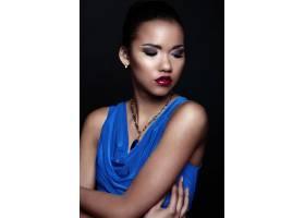 魅力特写美女性感黑人年轻时尚女模身穿蓝色_7336019