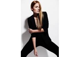 高级时尚造型穿着黑布的漂亮性感时髦的高_6492627