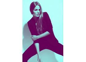 高级时尚造型穿着黑布的美丽性感时尚的高_6492620