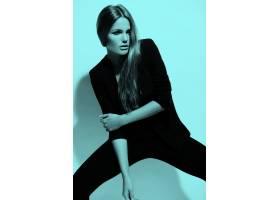 高级时尚造型穿着黑布的美丽性感时尚的高_6492622