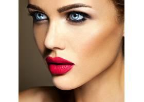 美女模特的感官魅力写真清新的日常妆容_6882639