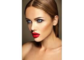 美女模特的感官魅力写真清新的日常妆容_6882640