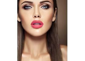 美女模特的感官魅力写真清新的日常妆容_6883023