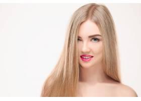 美丽的金发女孩健康的长发_7540098