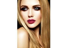 美丽的金发美女模特儿的魅力写真清新的日_7253309