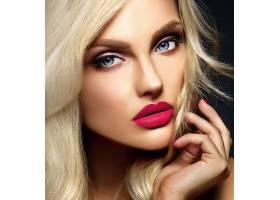 美丽的金发美女模特的性感魅力肖像浓妆艳_7201389