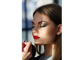 美女写真做化妆_8300928