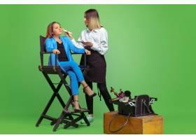 第一个客户梦想成为化妆师职业的小女孩_12630151
