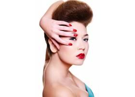 红唇和指甲的漂亮女孩_6801090