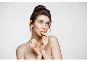 美丽年轻的自然裸体女孩完美干净的皮肤_9028231