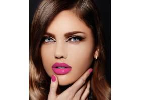 美丽性感时尚的高加索年轻女子肖像有着粉_6765693