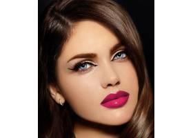 美丽性感时尚的高加索年轻女子肖像有着粉_6765697