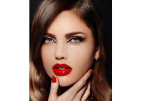 美丽性感时尚的高加索年轻女模的肖像嘴唇_6765694