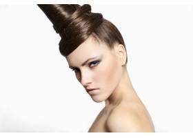 时尚女性头发奇特装扮亮丽白底独秀_6766705