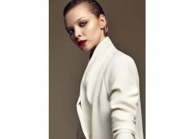 晚妆红唇白夹克漂亮时尚黑发女模肖像_7121716