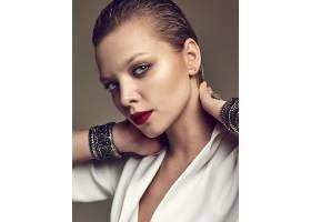晚妆红唇白夹克漂亮时尚黑发女模肖像_7121926