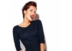 欢快的微笑眨眼的时尚女人穿着休闲的黑_6766658