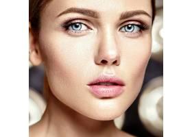 性感迷人的美女模特每天化妆清新嘴唇裸_7251680