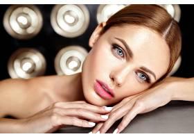 性感迷人的美女模特每天化妆清新嘴唇裸_7251684