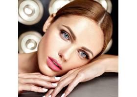 性感迷人的美女模特每天化妆清新嘴唇裸_7251686