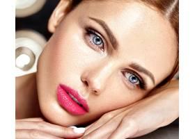 性感迷人的美女模特每天化妆清新嘴唇裸_7251687