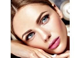 性感迷人的美女模特每天化妆清新嘴唇裸_7251694