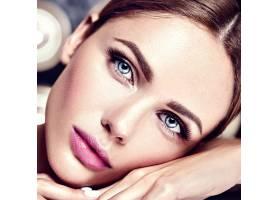 性感迷人的美女模特每天化妆清新嘴唇裸_7251695
