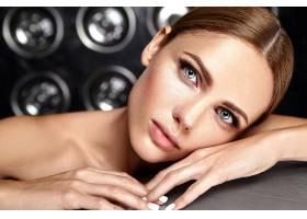 性感迷人的美女模特每天化妆清新嘴唇裸_7251712
